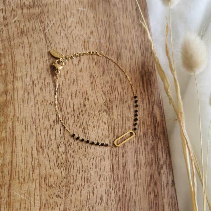 bracelet fin doré oval petites perles noires