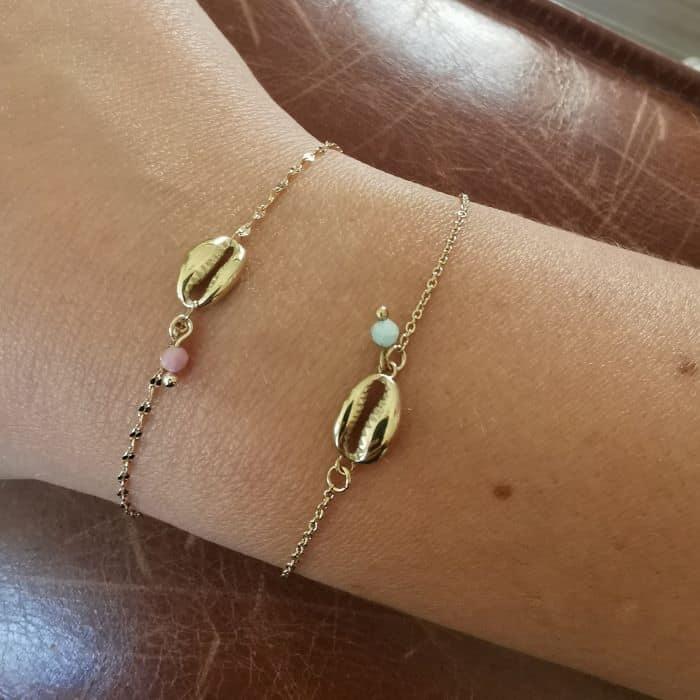 bracelet chaine et cauris doré