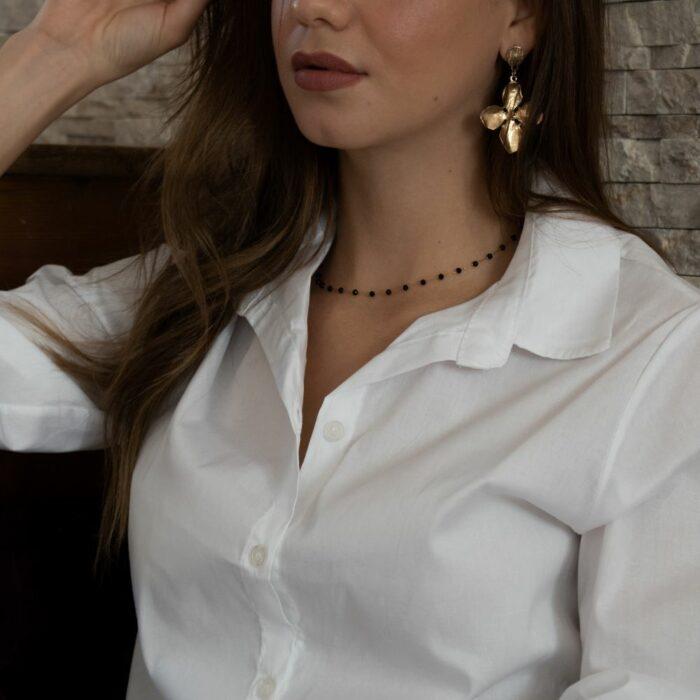 chemise blanche simple et bien taillée