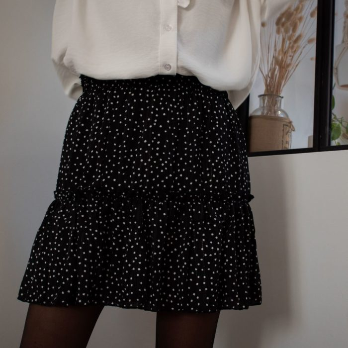 jupe courte noire à volants