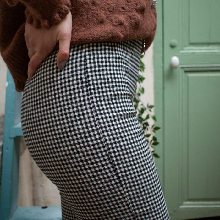 zoom sur pantalon leggins pied de poule