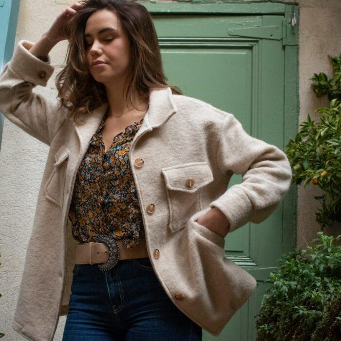 veste en laine écru avec poches