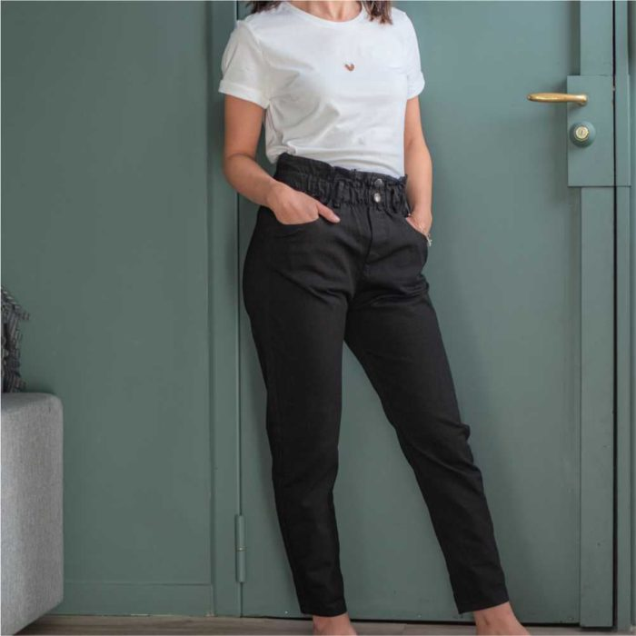 pantalon type paper bag noir vue de plein pied taille haute